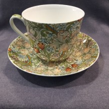 golden lillies breakfast cup